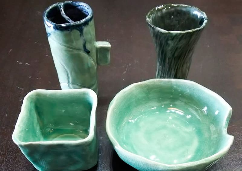Obori Soma-ware Kyogetsu Pottery/ Image of work made by students in a pottery class