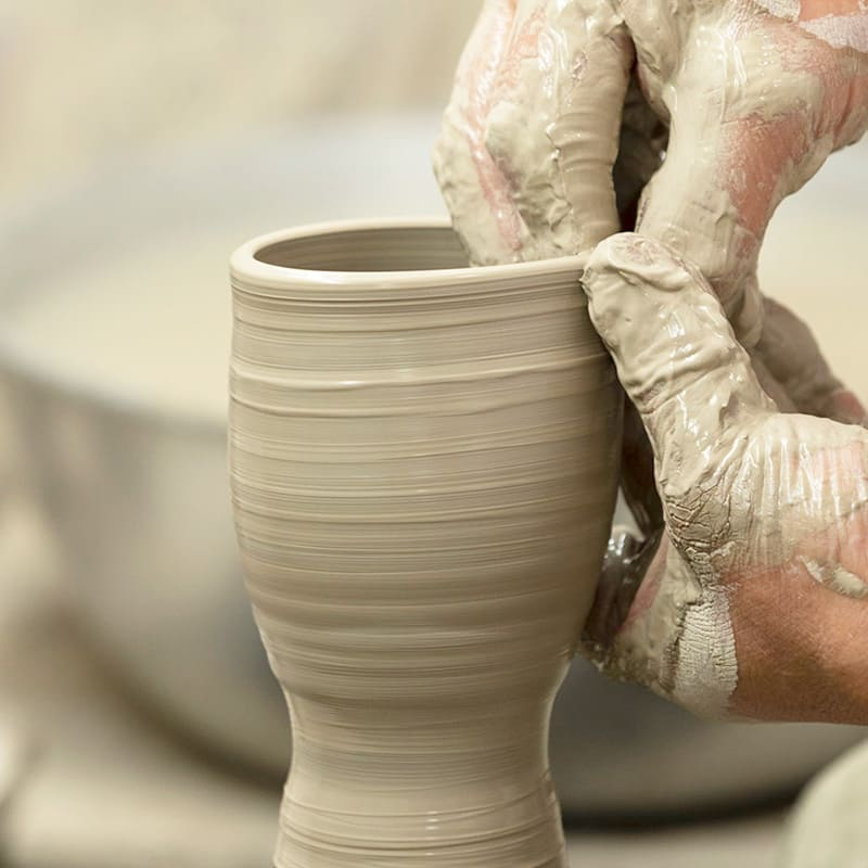 Obori Soma-ware Kyogetsu Pottery/ Shaping a teacup-2